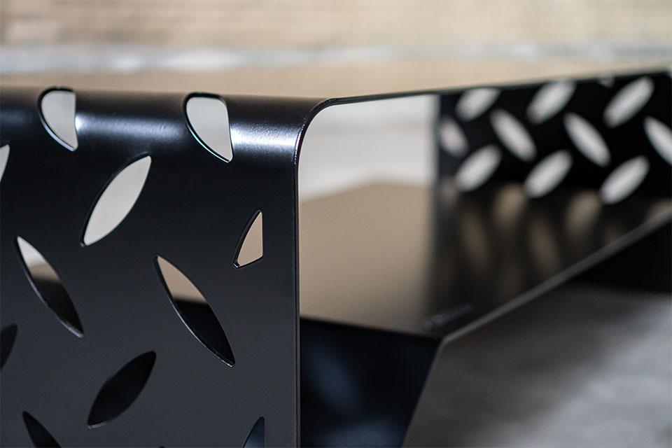 Salontafel design staal zwart woonkamertafel - BIG S - FABRIQ-S - detailfoto lasersnijwerk en afwerking