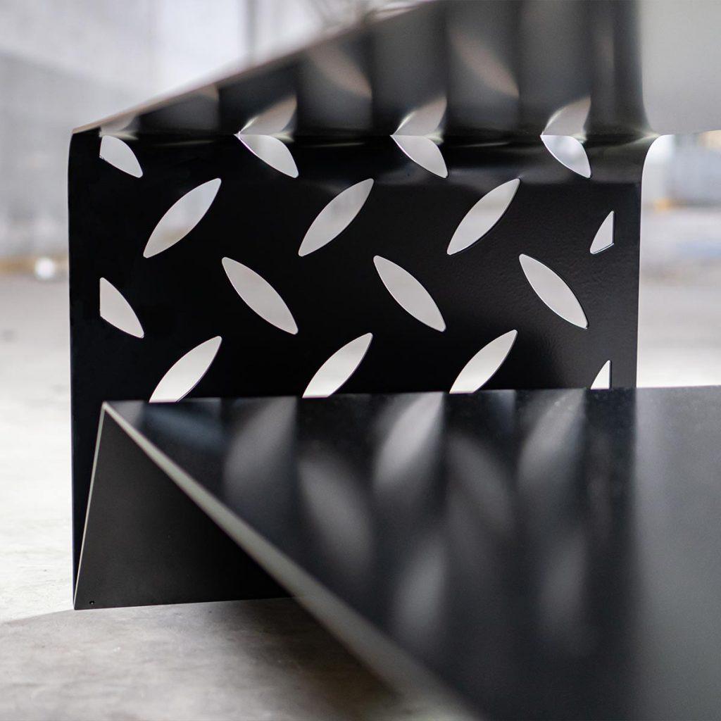 Salontafel design staal zwart woonkamertafel - BIG S - FABRIQ-S - detailfoto voet en afwerking - mobile