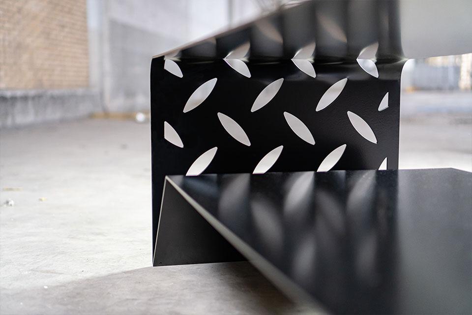 Salontafel design staal zwart woonkamertafel - BIG S - FABRIQ-S - detailfoto voet en afwerking