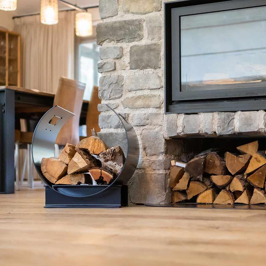 Haardhoutopslag voor binnen - the blockz - unieke stalen houtopslag voor open haard